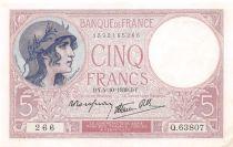 France 5 Francs Helmeted woman 05-10-1939 Serial Q.63807 - XF+