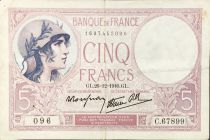 France 5 Francs Helmeted woman 26-10-1940 Serial C.67899 - VF