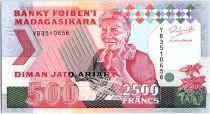Madagascar 2500 Francs - Older woman - Animals - 1993
