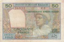 Madagascar 50 Francs Femme à chapeau - 1969 - Série C.2 - TB+ - P.61
