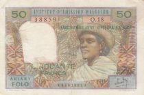 Madagascar 50 Francs Femme à chapeau - 1969 - Série Q.18 - TTB - P.61